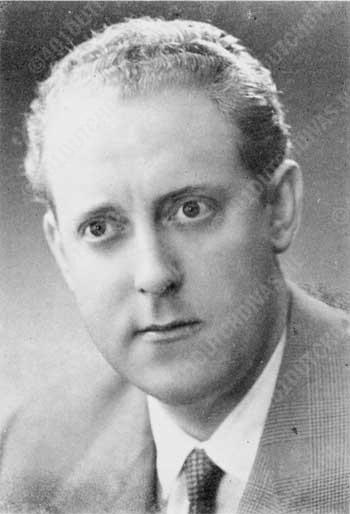 Arnold van Mill, bas