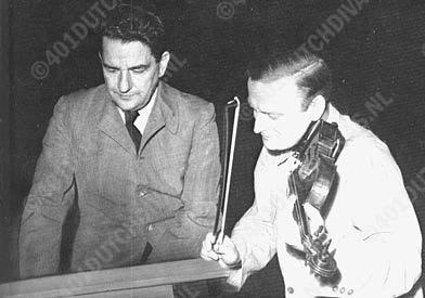met violist Yehudi Menuhin, een intieme vriend